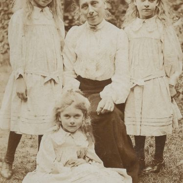Ladbroke. Lucy Baker, with Dora on the right, Lucy on left, and Henrietta at feet. 1908 | Image courtesy of Jo Lowrie