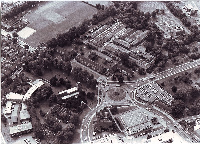 Nuneaton. Vicarage Street, aerial view of roundabout in the centre of several civic and industrial buildings. | Image courtesy of Nuneaton and Bedworth Borough Council, supplied by Nuneaton Memories