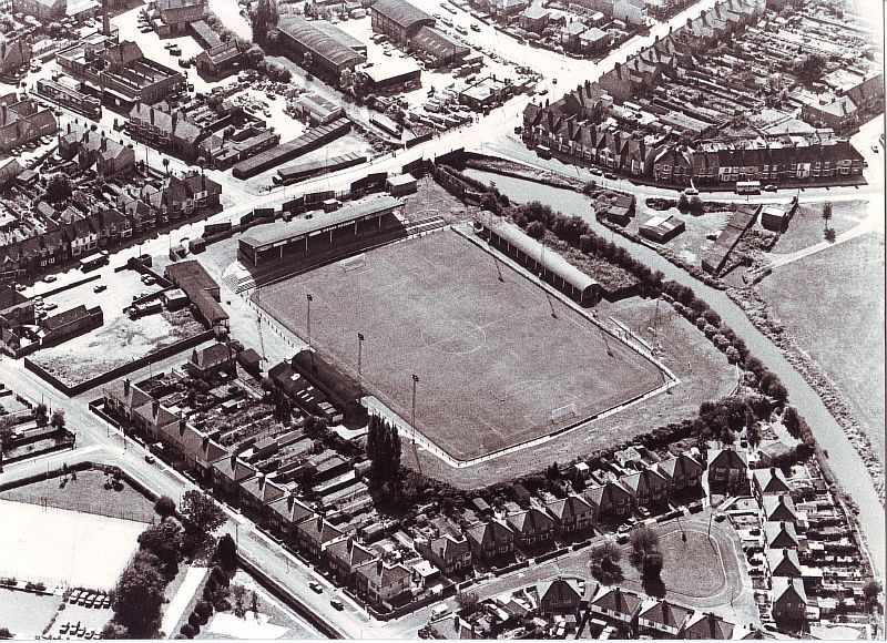 Nuneaton, Manor Park, former home to Nuneaton Borough FC with floodlights around the edge of the pitch. | Image courtesy of Nuneaton and Bedworth Borough Council, supplied by Nuneaton Memories