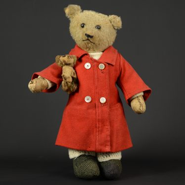 Warwickshire in 100 Objects: Teddy and Fifi
