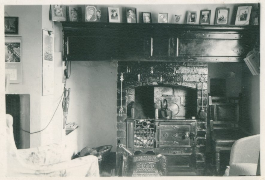 3 Sykes Cottage, Chapel Street interior. Home of Ellen Jane Pope Reid. May 1949.   Image courtesy of Linda Glassman