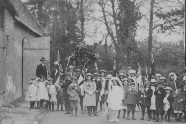 Flecknoe.  May Day Celebrations