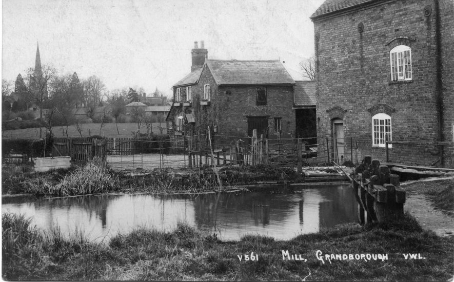 Grandborough Mill, pre 1920. | Image courtesy of Pam Taylor