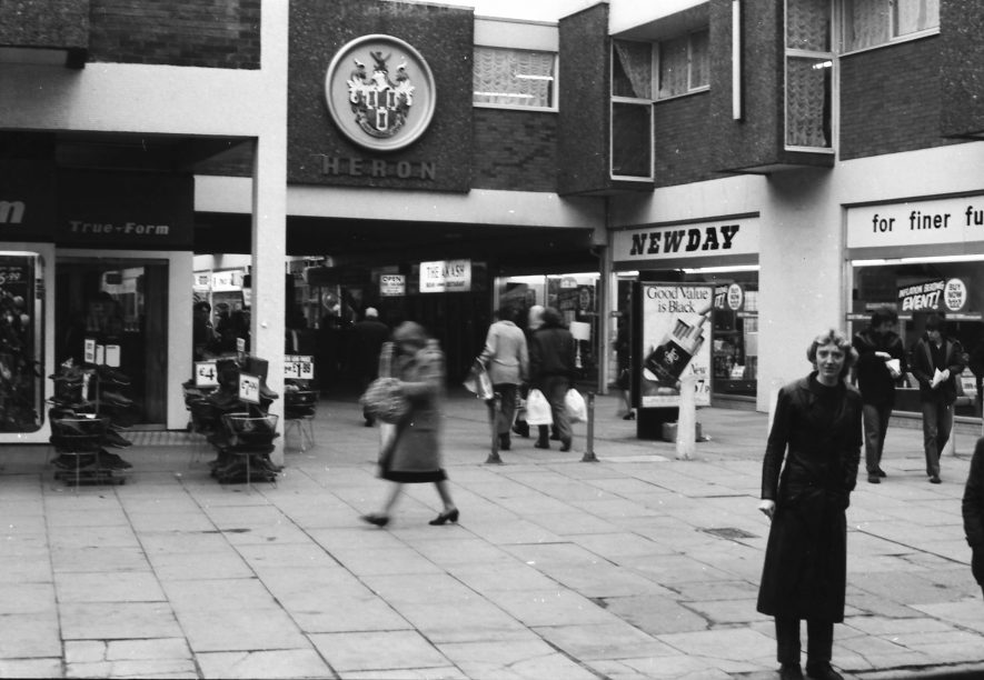 Nuneaton. Heron Way ( - now renamed Abbeygate Shopping Centre) leading to the indoor market. 1980s | Image courtesy of Fred Hands, supplied by Nuneaton Memories.