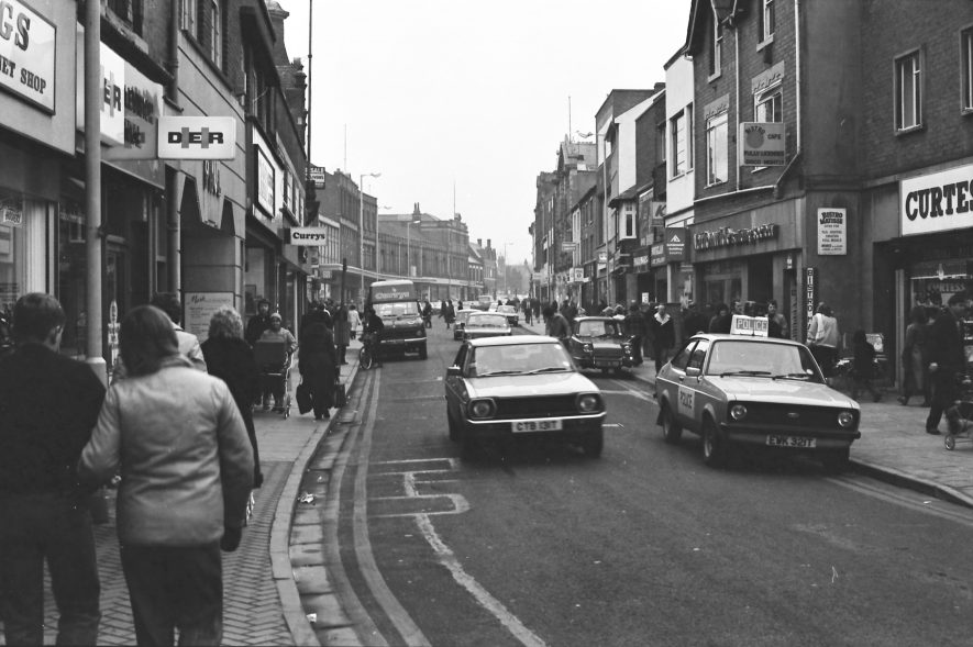 Abbey Street, Nuneaton. 1980s. | Image courtesy of Fred Hands, supplied by Nuneaton Memories.