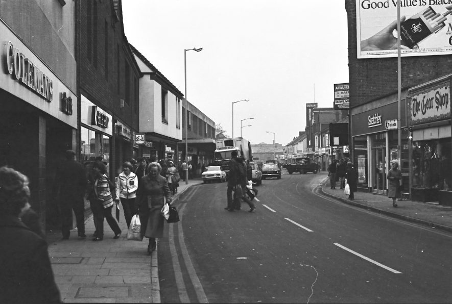 Nuneaton. Queens Road | Image courtesy of Fred Hands, supplied by Nuneaton Memories.
