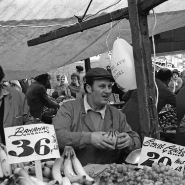 Nuneaton.  Market