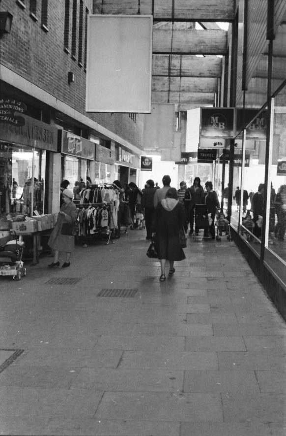 Nuneaton, Queen's Arcade | Image courtesy of Fred Hands, supplied by Nuneaton Memories.