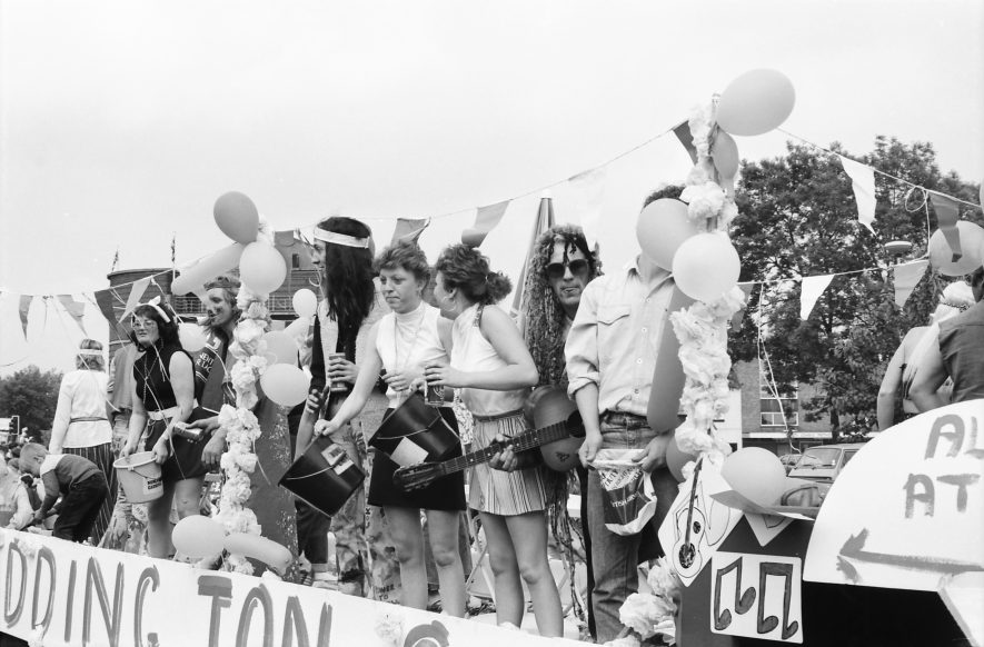 Nuneaton. Carnival, 1987. | Image courtesy of Fred Hands, supplied by Nuneaton Memories.