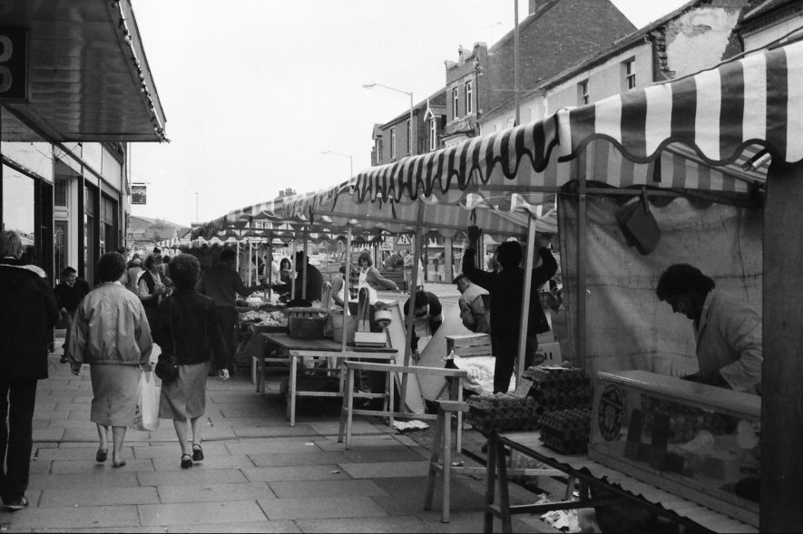 Nuneaton. Abbey Street market stalls outside Co-op Arcade | Image courtesy of Fred Hands, supplied by Nuneaton Memories.