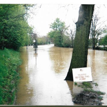 Radford Road looking towards Leamington Spa, 1998 | Image courtesy of Gary Stocker