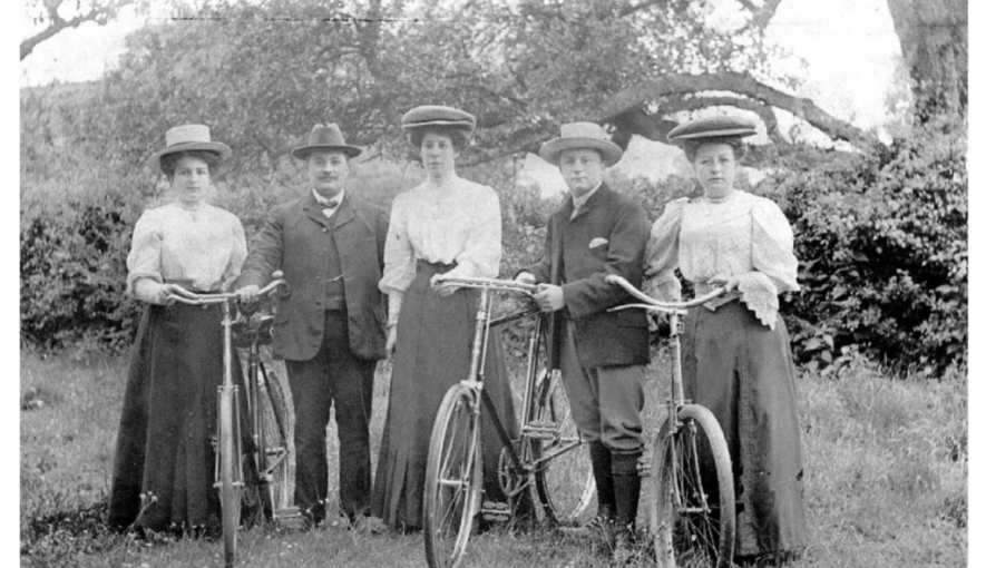 Photo of the Slatter family with their bicycles | Photo courtesy of Warwickshire County Record Office. Ref PH352_196_9