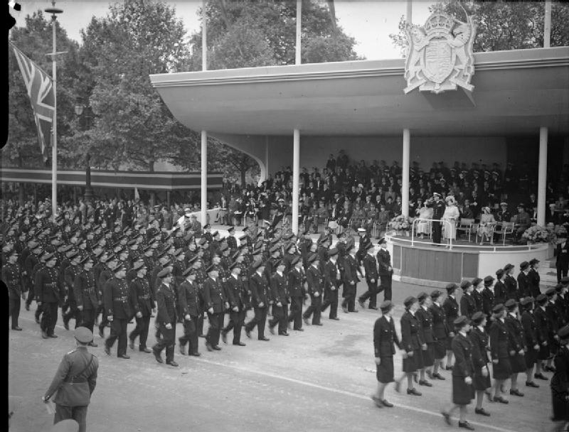 An image from the victory parade similar to the one Reginald has in his hall. | Ministry of Information Photo Division Photographer. Originally uploaded to Wikimedia Commons