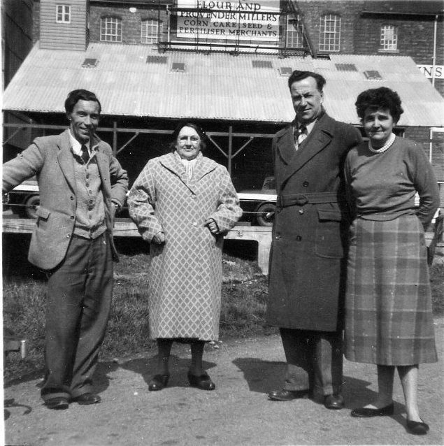 Broom. Adkins Mill. Maud Gardiner with son's Edwin and Frank circa 1940   Image courtesy of Phillip Gardiner