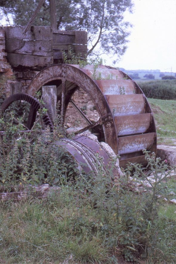 Monks Kirby. Cestersover Mill. Pit wheel and part of wooden hurst frame which supported millstones, July 1971   Image courtesy of Tim Booth