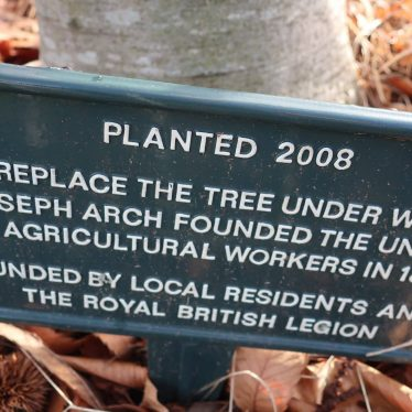 Plaque under tree planted in 2008 in Barford, to replace the tree under which Joseph Arch founded the National Union of Agricultural Workers. | Image courtesy of Gary Stocker