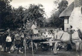 Photo showing Ronald Gardner directing the film This England (1935) in Welford on Avon, Warwickshire. | Photo courtesy of Peter Gardner