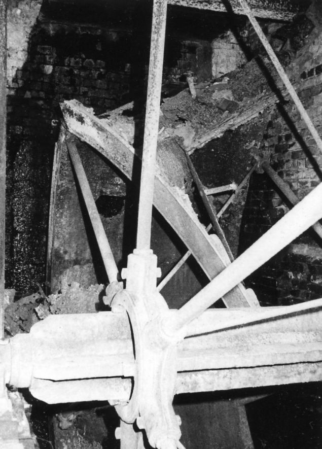 Mercote Mill, October 1970. Overshot waterwheel, 15ft x 5ft 4in, by Summers of Tanworth-in-Arden, fitted in 1890-1 | Image courtesy of June Booth