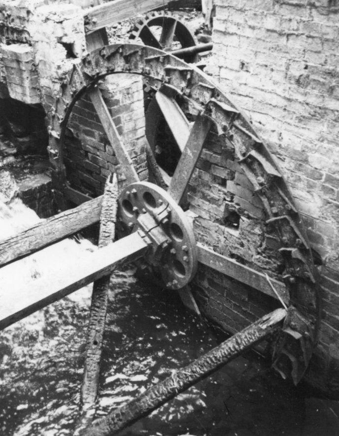 Southam. Stoneythorpe Mill, February 1971. The breast-shot waterwheel, approx. 10ft x 7ft. | Image courtesy of June Booth