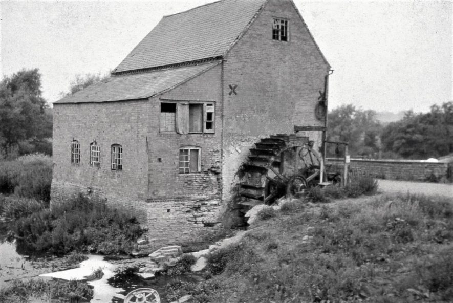Welford Mill, east wheel, 1964. This wheel is now at Lutley Mill, Halesowen. | Image courtesy of Tim Booth