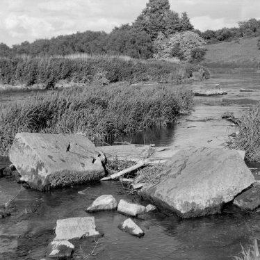 Welford on Avon.  Lock on the River Avon