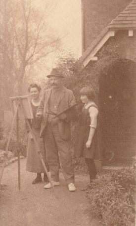 Cicely Lucas, Ernest, and Cicely Jr, 1920s.   Image supplied by Christine Cluley, courtesy of the family of Cicely Lucas